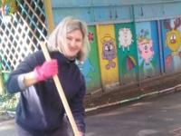27 октября. Субботник. Родители оказали содействие в уборке территории детского сада.